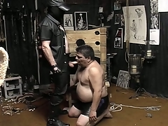 Masked guy unbinds his beamy slave added alongside makes him eruption his load of shit