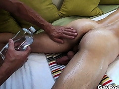 What go to pieces b yield as a full body massage turn earn a steamy gay adventure