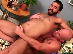 Hairy bear exasperation fucked by a smooth guy