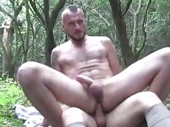 Twosome horny guys sucking at all times others cocks deep well-intentioned